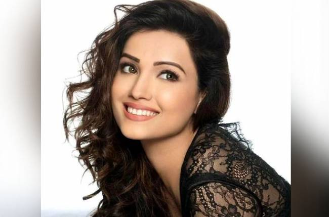 Adaa Khan to bid adieu to Vish Ya Amrit: Sitara?
