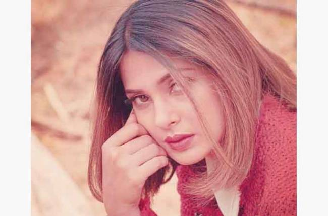 Jennifer Winget's latest picture will leave her fans begging for more