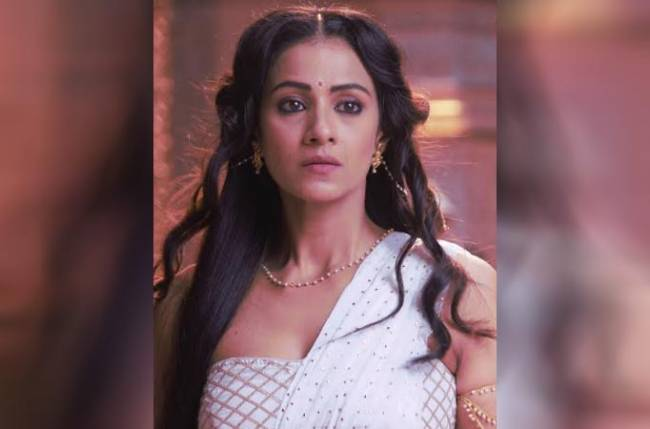 I do not possess the fear of being typecast or repeating genres: Barkha Bisht