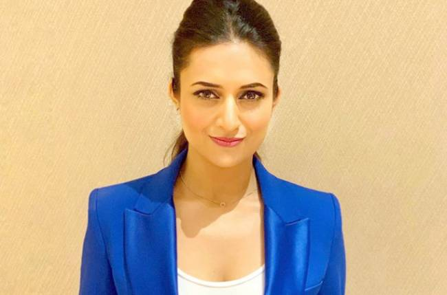 Divyanka Tripathi Dahiya's STYLE GAME is on point